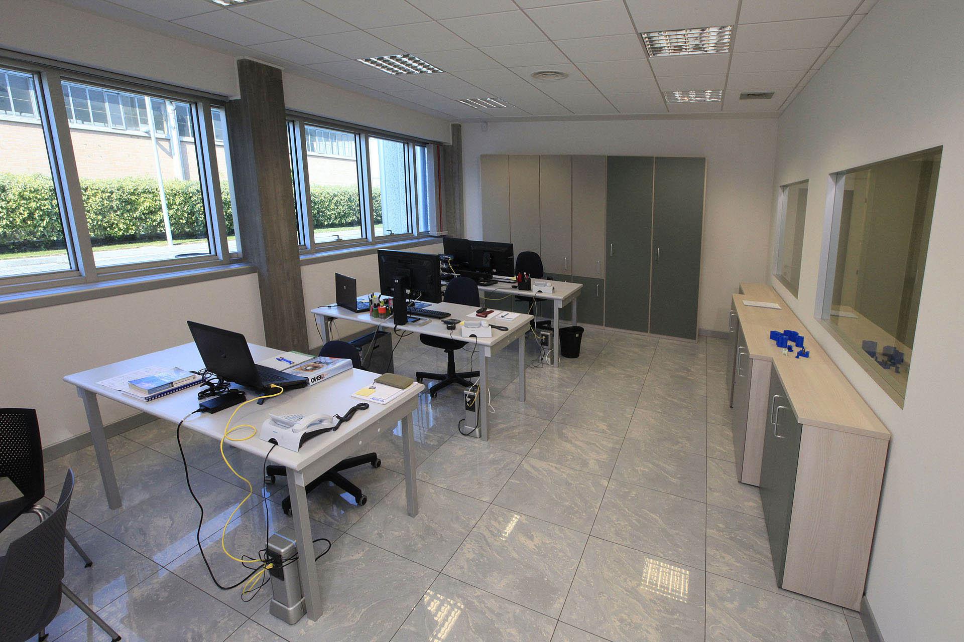 In Ufficio Tecnico : Ufficio tecnico azeta dif